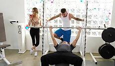 Workout meets cuckolding porn